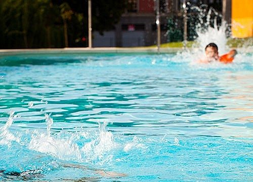 Lifeguard Training | Adults | Teens | Certification & Training | Programs & Activities | Valley of the Sun YMCA